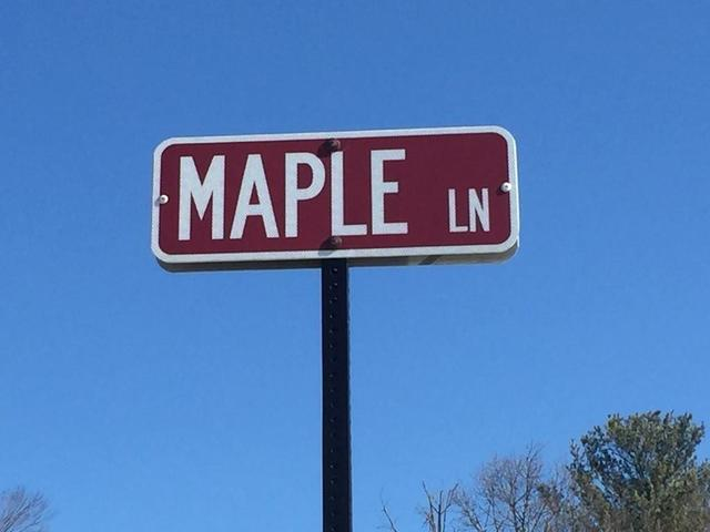 maple lane street sign